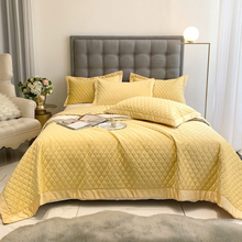 Made in China Bedspread Over Size Quilt Set Soft Yellow for All Seasons